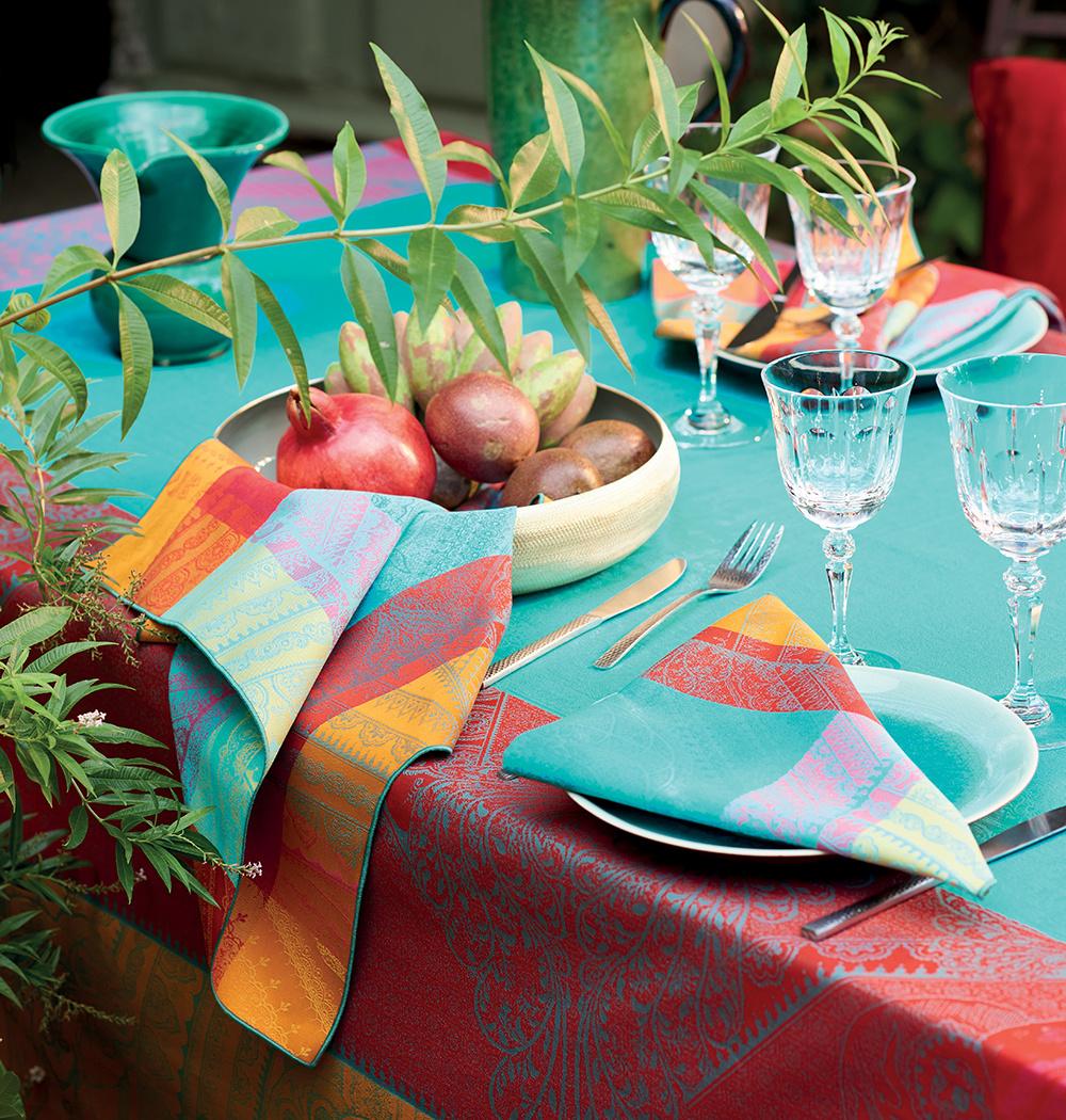 Garnier Thiebaut  Garnier Thiebaut Tischdecke Jodhpur festival - Fleckversiegelung