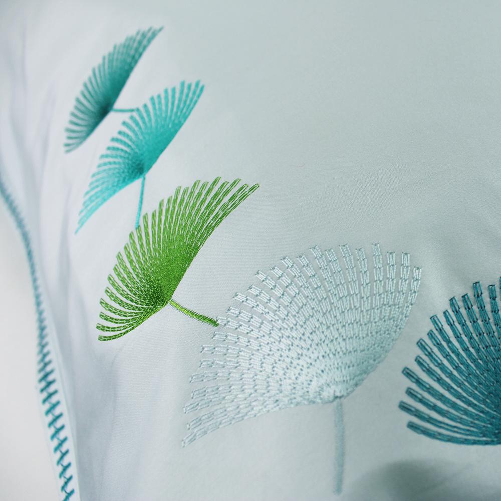 Garnier Thiebaut  Bettwäsche Satin mit Stickerei-Garnier Thiebaut-Pistil aqua