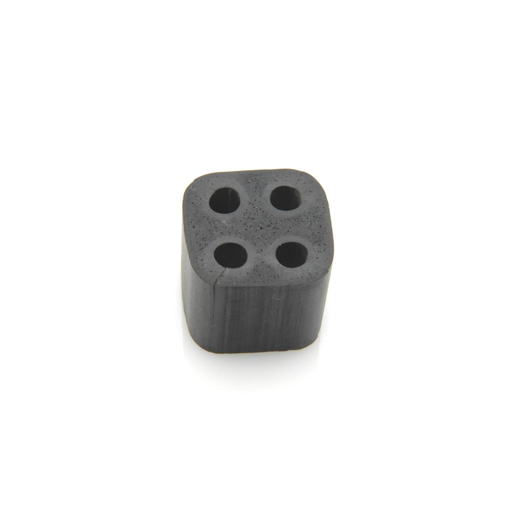 Entretoise canalisation carrée 4 x 4,5mm