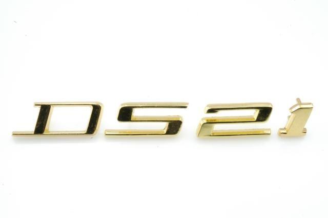 """Monograma """"21"""" dorado DS21 -72 Nr Org: DX8549B"""
