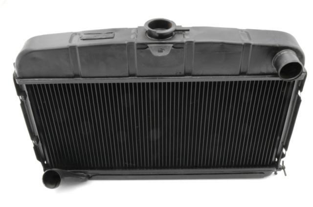 Radiateur zonder motorkapsteun gereviseerd -62