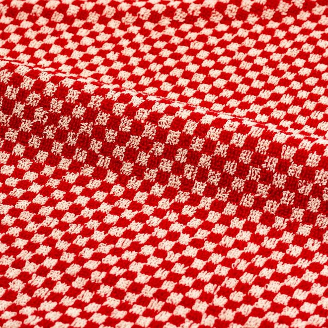 Towel litte checkered red