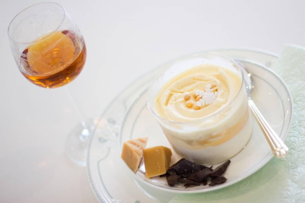 pistache-fior di latte dessertglaasje