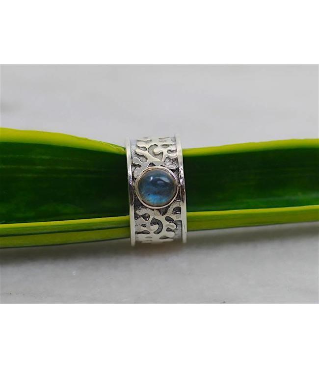 Josephina Engraved Labradorite - sterling silver ring
