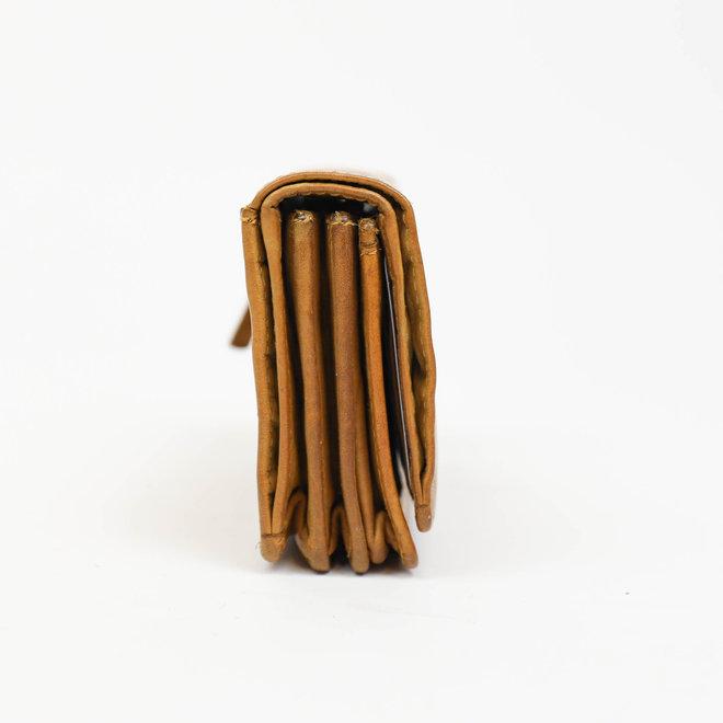 Kleine overslagportemonnee 'Nina' - CL 16212 okergeel