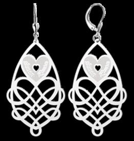 Zilveren oorbellen met namen in hart