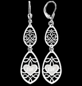Zilveren smalle druppel oorbellen met initialen