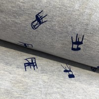 Sweater Froy & Dind chairs