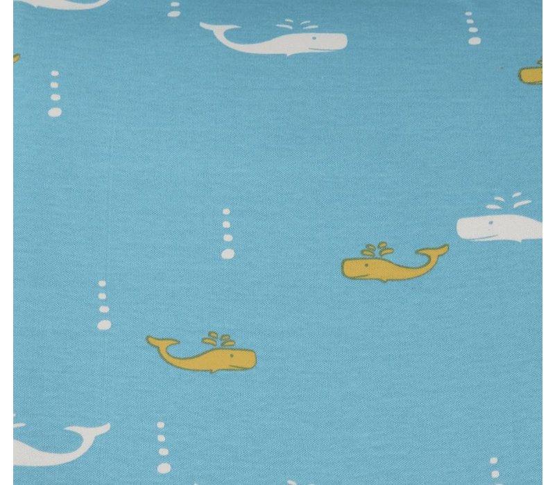 Interlock whales turquoise