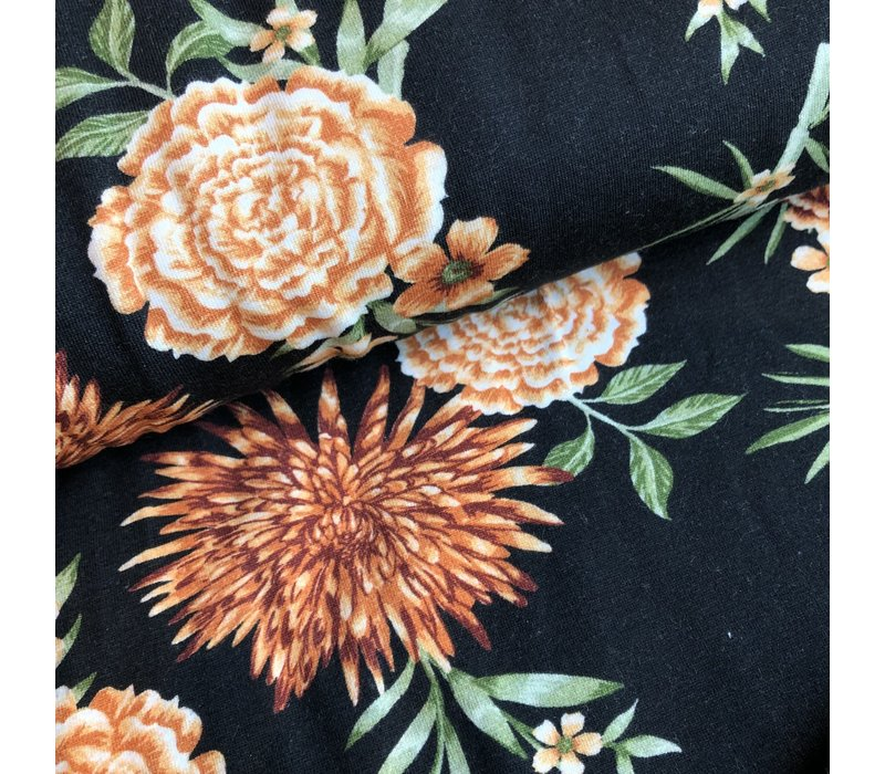 Tricot black rusty flowers