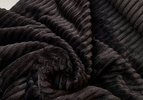 De Stoffenkamer Mantel Pels Plisse zwart