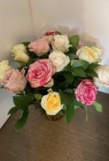 Boeket gemengde rozen in vaas Hübschø17xh20 cm