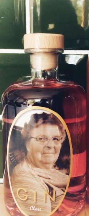 Moe Clara Gust Gin