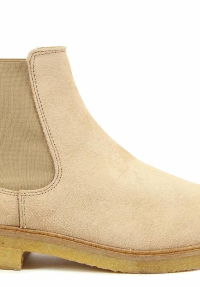 Goosecraft Chet Crepe Chelsea Boots Sand