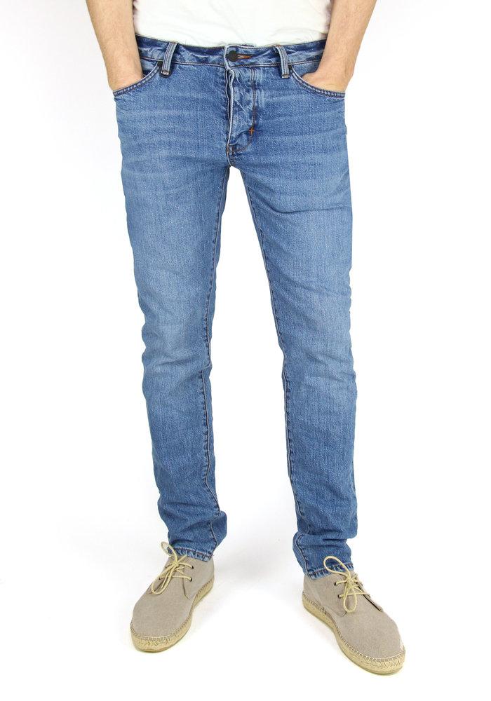 Neuw Jeans Lou Slim Zero Bells