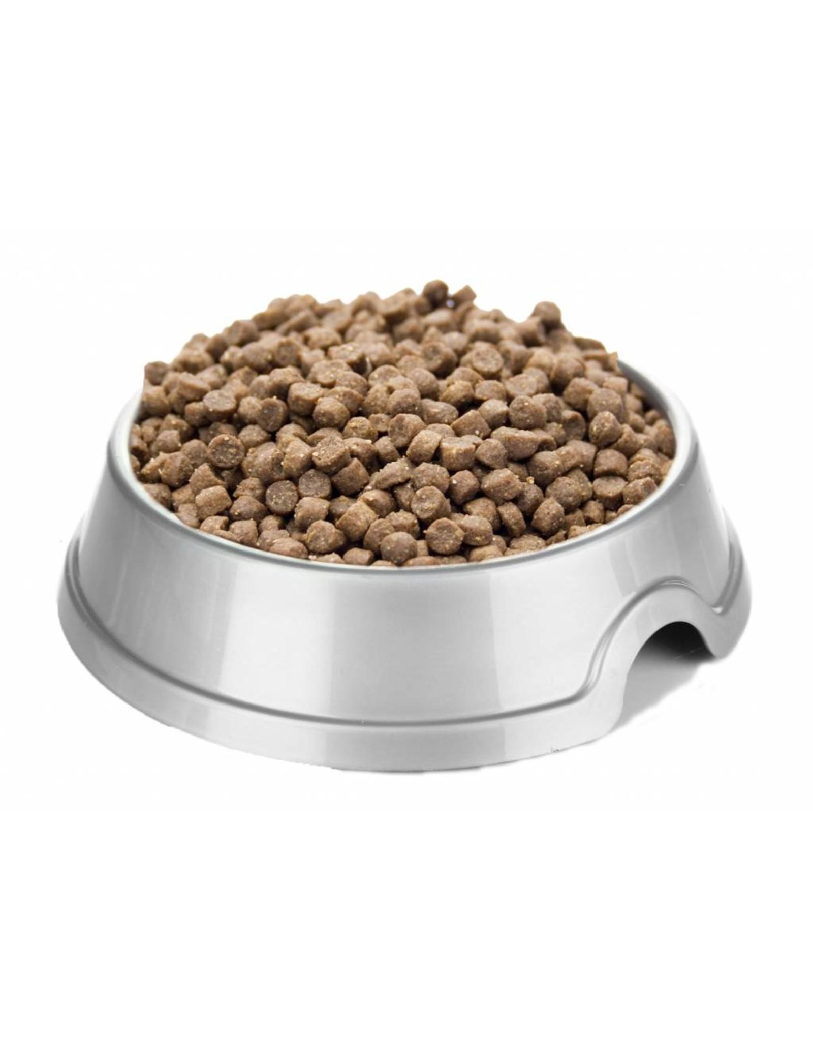 Hoogwaardige voeding speciaal voor kittens die extra energie nodig hebben om op te groeien.