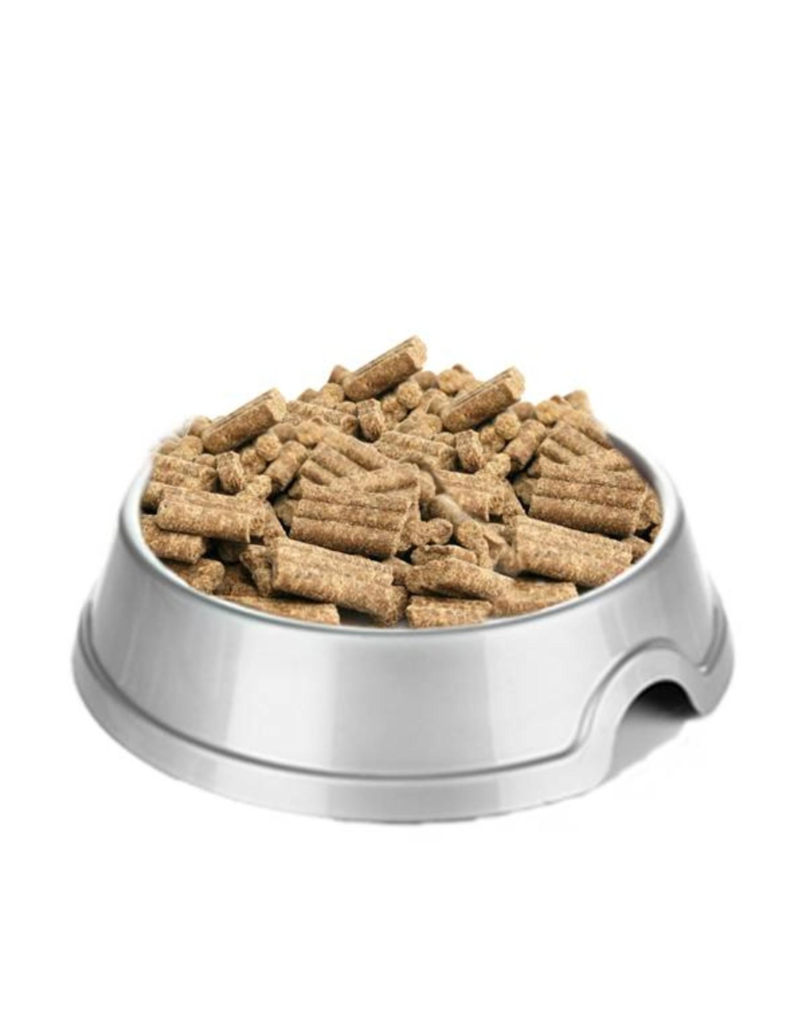 Graanvrije geperste hondenbrokken met kip voor puppys.