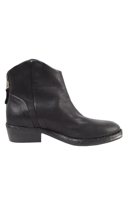 Catarina Martins Nomad Grasso Low Boot Black with Silver Details