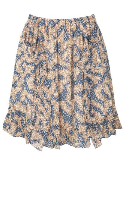 Second Female Wildly Short Skirt Creme De Peche