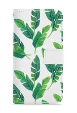 FOONCASE iPhone 8 Plus hoesje - Bookcase - Flipcase - Hoesje met pasjes - Banana leaves / Bananen bladeren