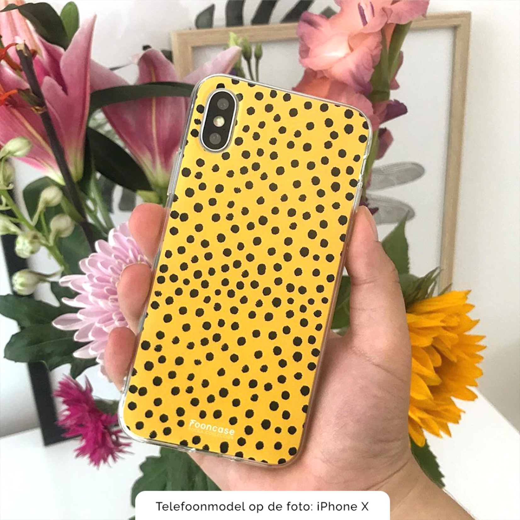 FOONCASE iPhone 12 Pro Max hoesje TPU Soft Case - Back Cover - POLKA COLLECTION / Stipjes / Stippen / Oker Geel