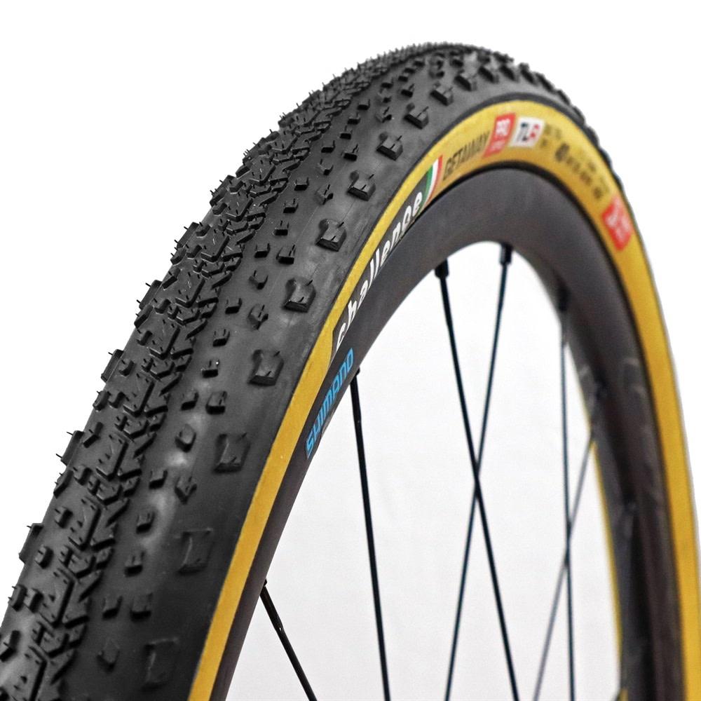 Challenge Tire Getaway TLR Tire, 700 x 40 Black/Tan
