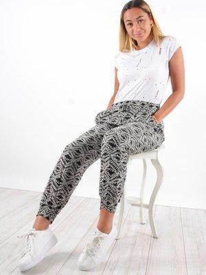 Ladylike Pants black print