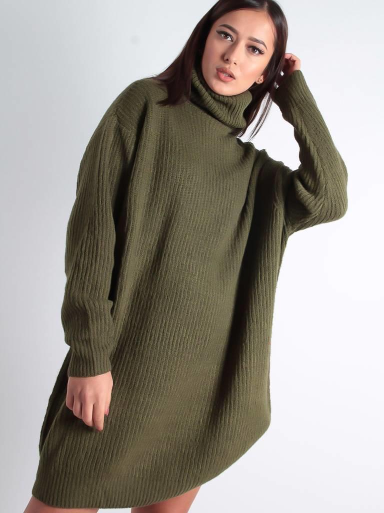 Viki Viki sweater dress