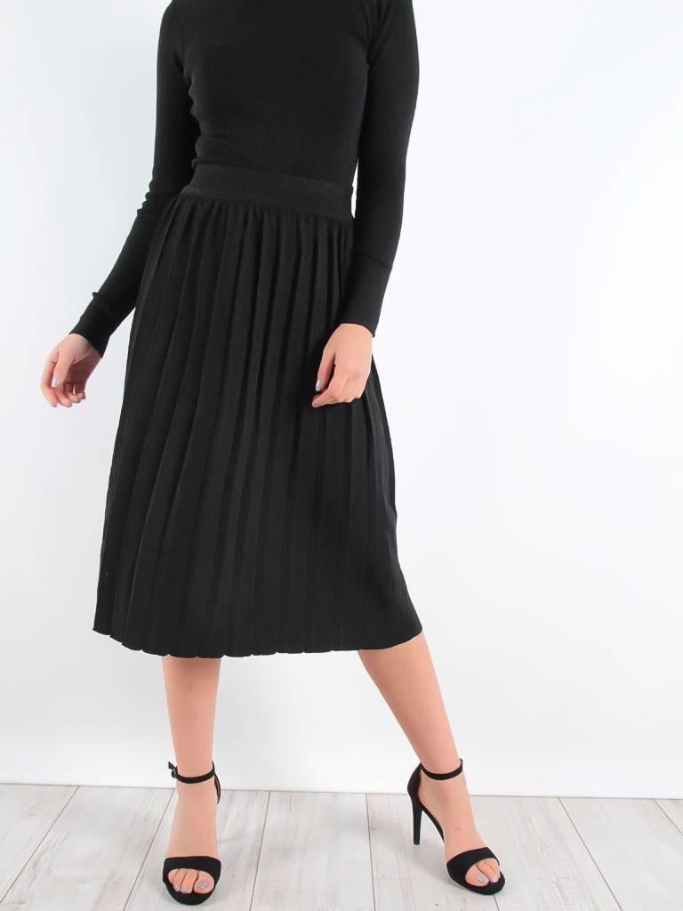 By Clara Glitter plisse skirt black