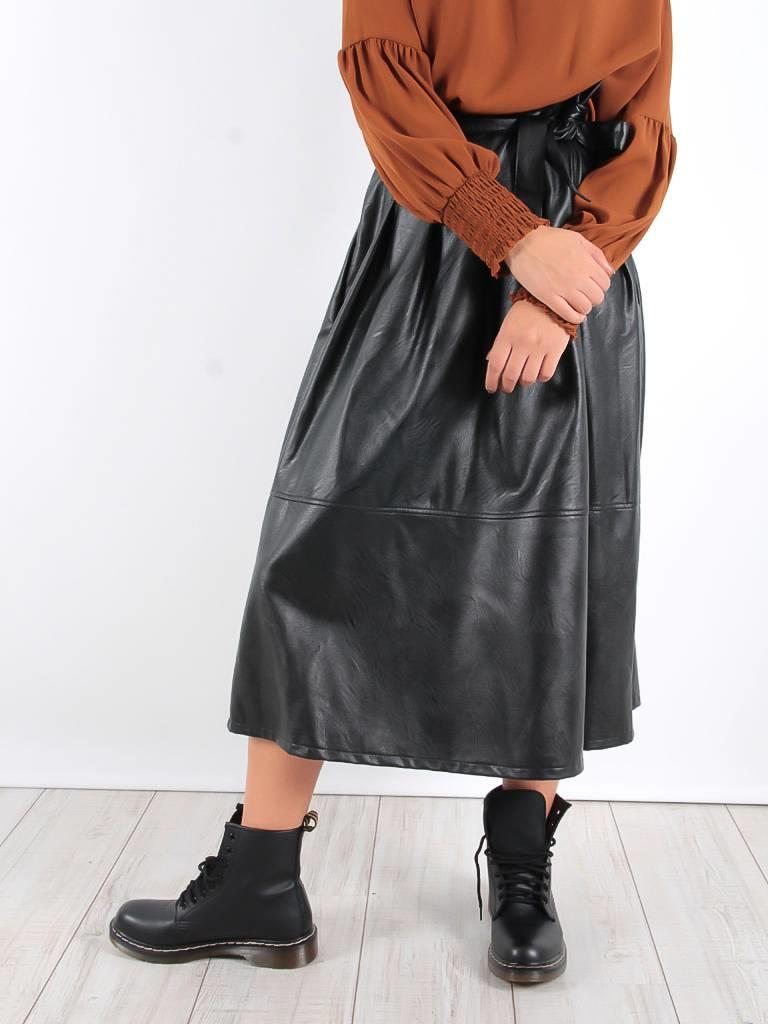 Miss Miss Faux leather black skirt
