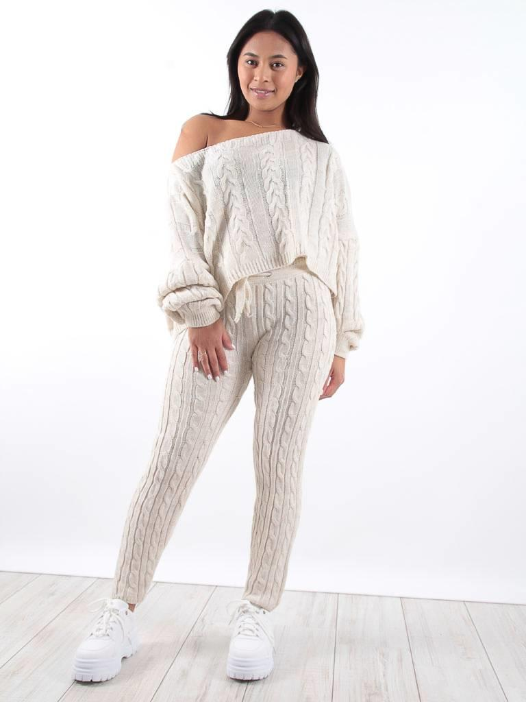 Ladylike Cream cable knit jogger co-ord