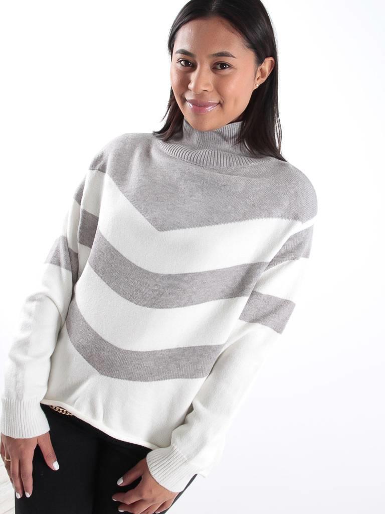 Kilibbi Grey stripe knit jumper with gold button detailing