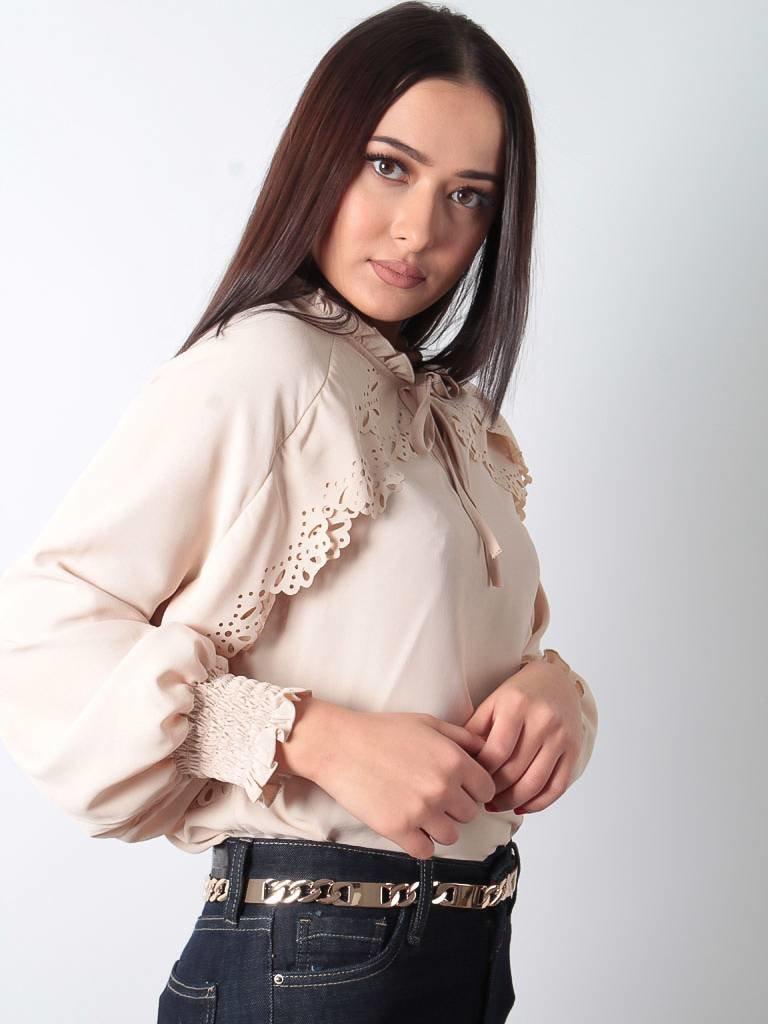 Ladylike Detail blouse beige