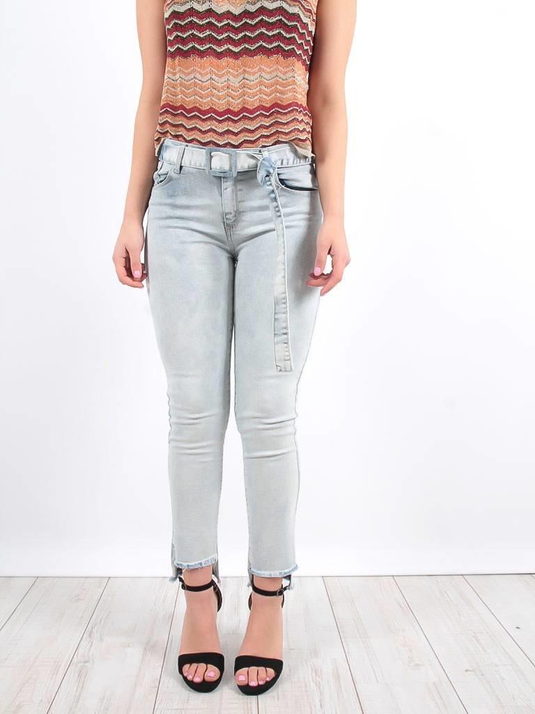 LADYLIKE FASHION Fray hem skinny jeans