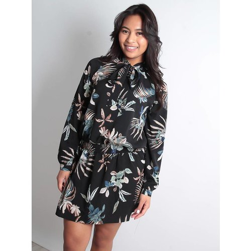 LADYLIKE FASHION Black dress with leaf design