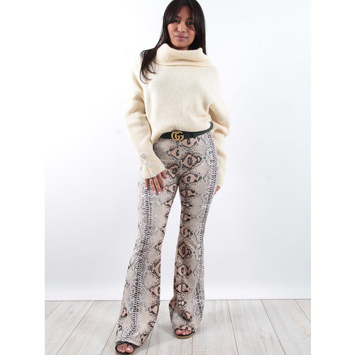 LADYLIKE FASHION Snake print flared trousers
