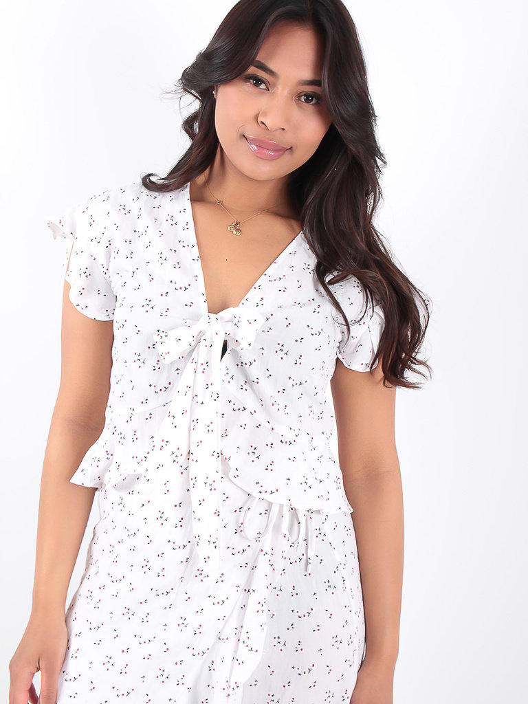 LADYLIKE FASHION Floral Tie Front Crop Top White