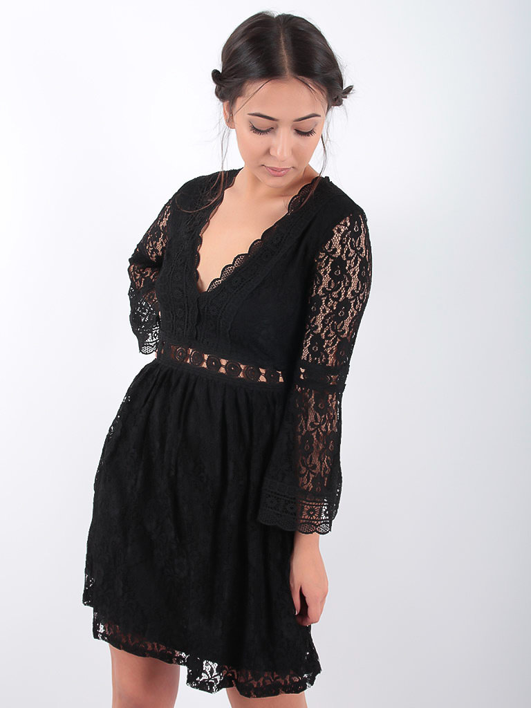 LADYLIKE FASHION Lace V-Dress Black