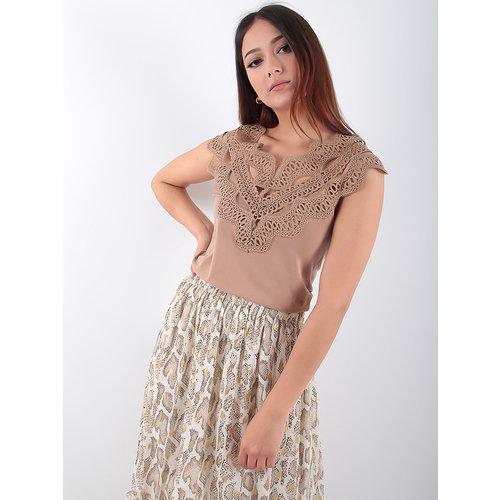 LADYLIKE FASHION Beige shirt with lace
