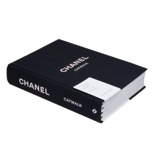 LADYLIKE FASHION Chanel Catwalk book