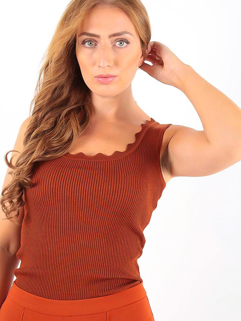 VINTAGE DRESSING -LADYLIKE FASHION Rib Top Rust