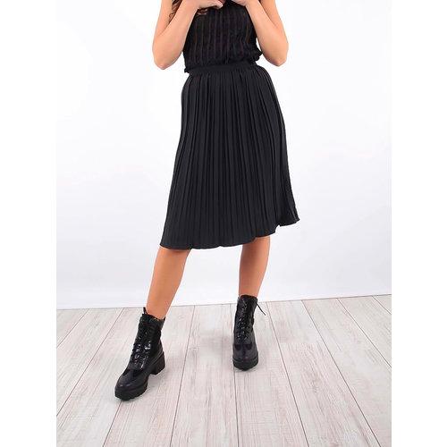 LADYLIKE FASHION Pleated Midi Skirt Black