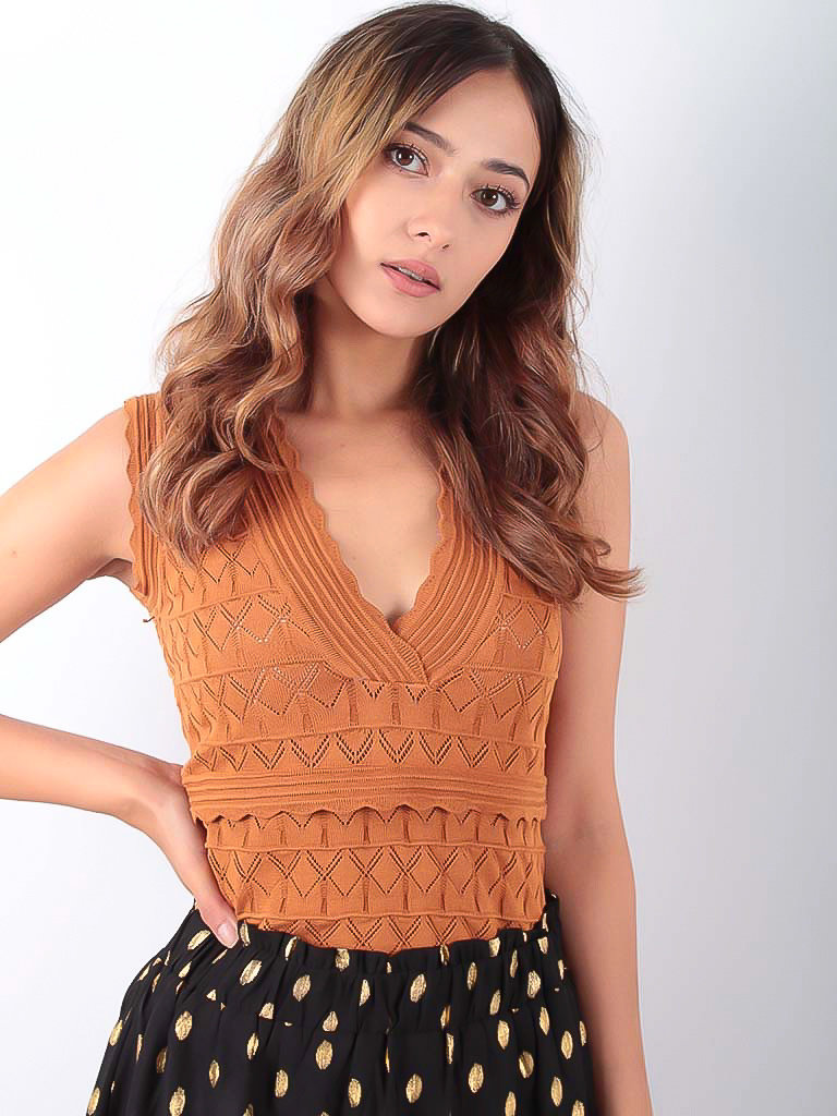 GIORGIA Knitted V-Neck Sleevless Top Camel