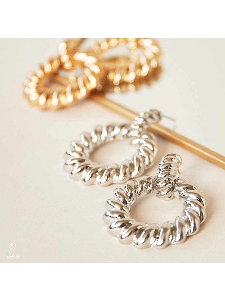 LADYLIKE FASHION Earrings Twisted Hoops Silver