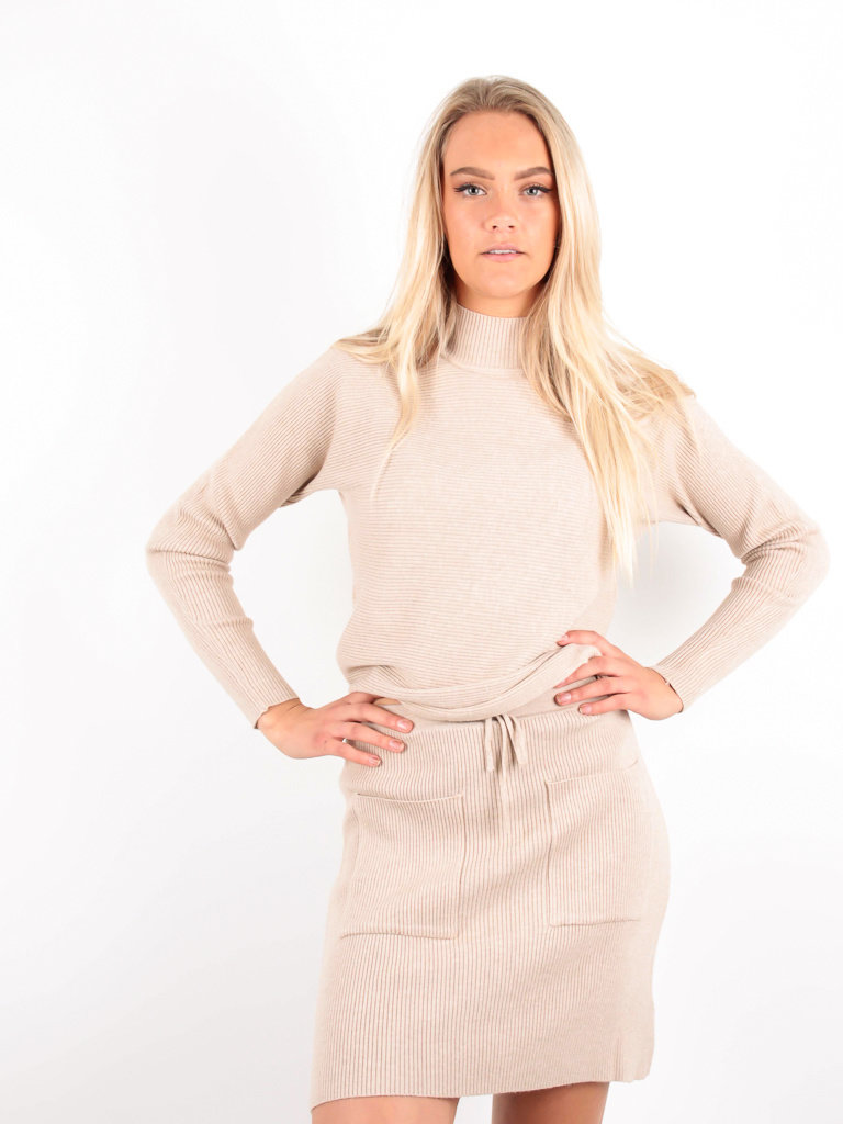 PURPLE QUEEN Ribbed Boxy Jumper Beige