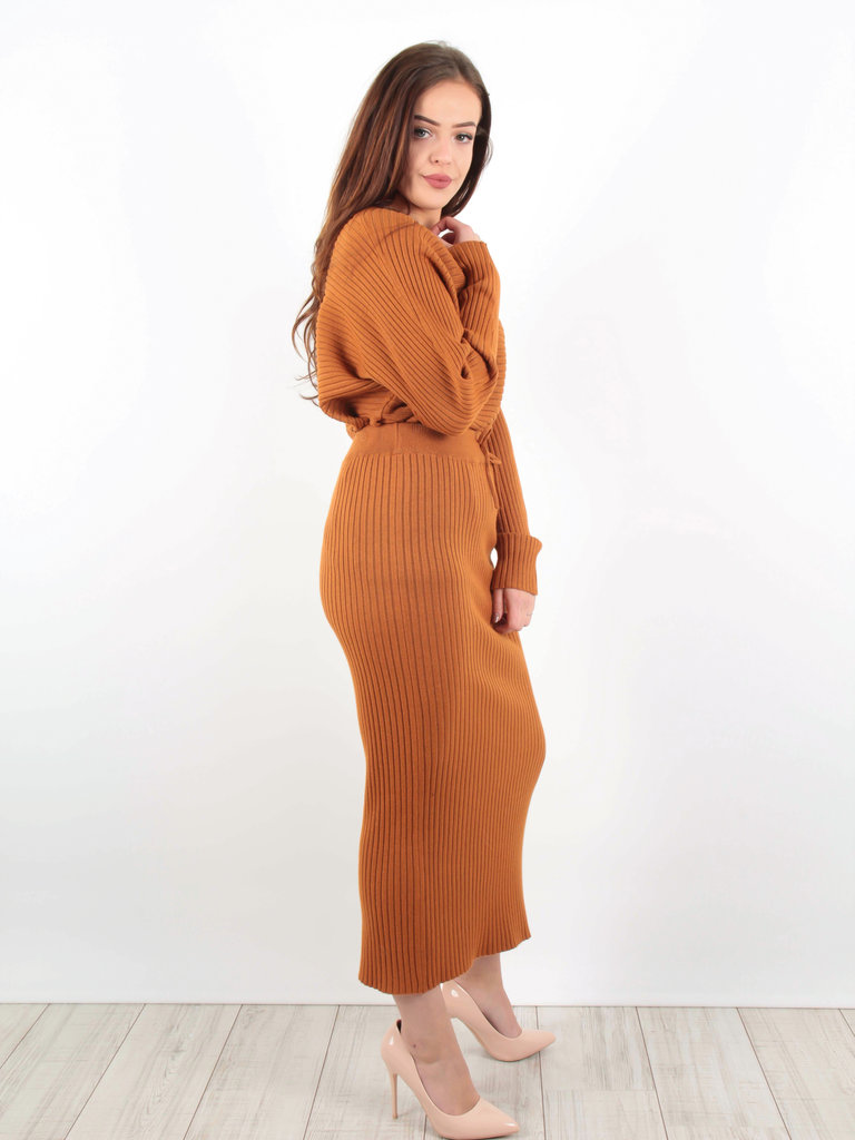 PURPLE QUEEN Ribbed Midi Skirt Rust