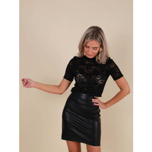 BISOU'S PROJECT Soft Short Sleeve Lace Top Black