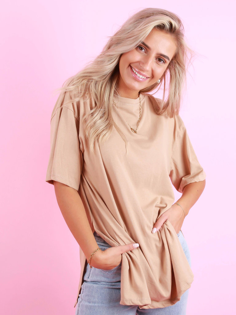 NEW COLLECTION Split T-Shirt Camel