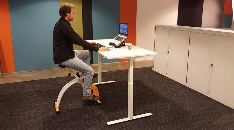 Fit op kantoor met de deskbike