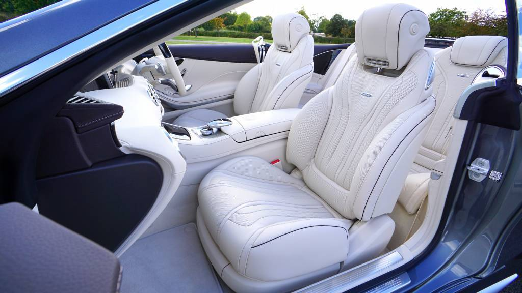 Wat zijn de overeenkomsten tussen een bureaustoel en een auto?